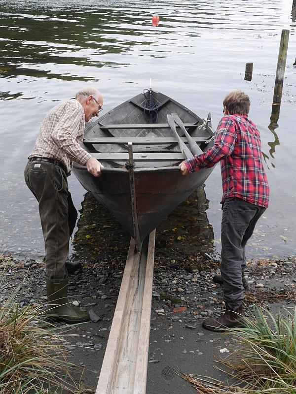 Vidar-Rune and Eirik Lillebøe Wiken launch the boat