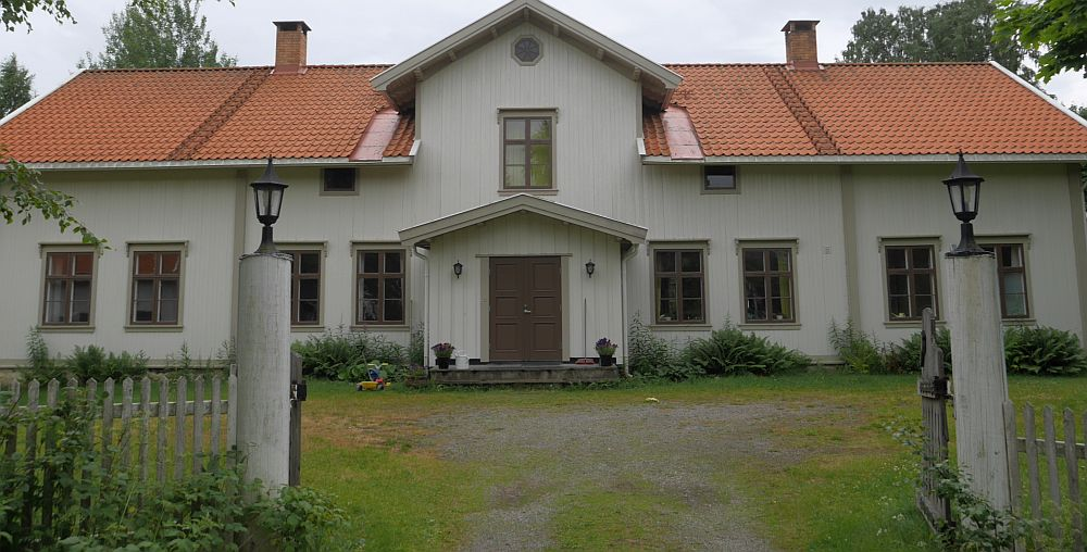 "I'm the ""Preacher"" in residence this week staying in the rectory (presteboligen) which is now run by the ecovillage ;)"