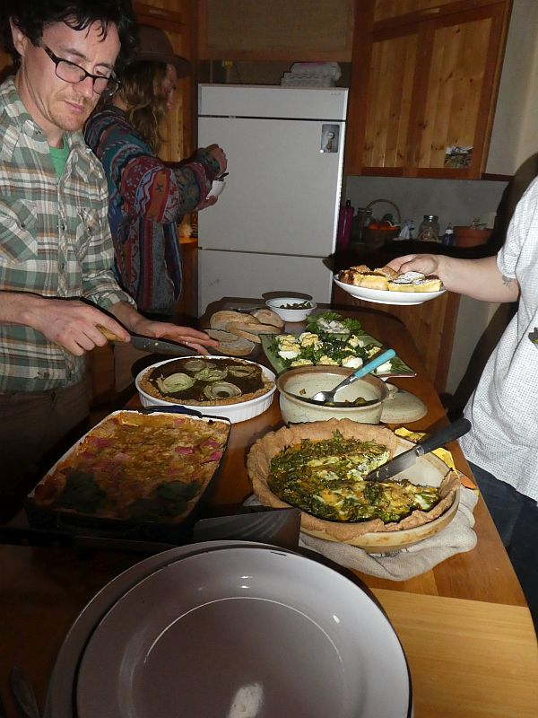...and for my last evening on Vancouver Island I was invited to a great potluck dinner at Eco-sense with Solara and Tayler (picture), the Bairds and friends. Thanks folks!