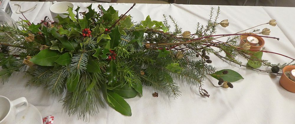 Colleague Steinar's Xmas table decoration from the garden and greenhouse!