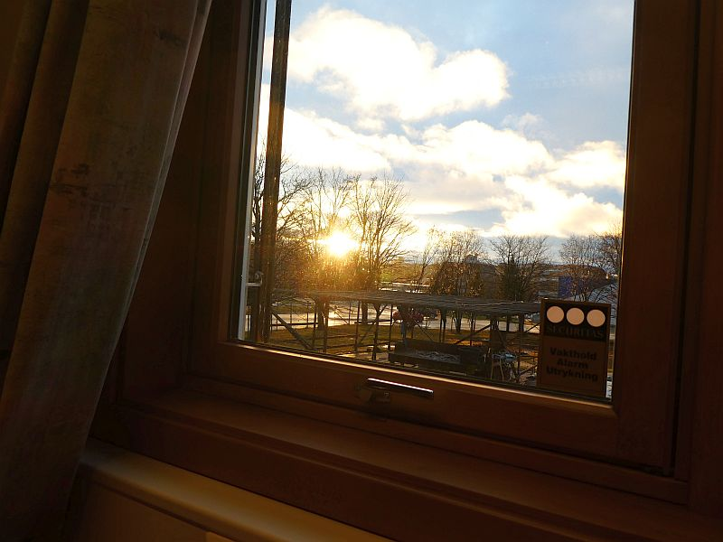 201217:  Proof that the sun is visible from my new office even at the solstice...