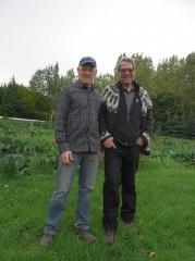 New friends -- ? of Gamla-Gróðrarstöðin (the old nursery) and Björgvin Steindórsson of the botanical gardens